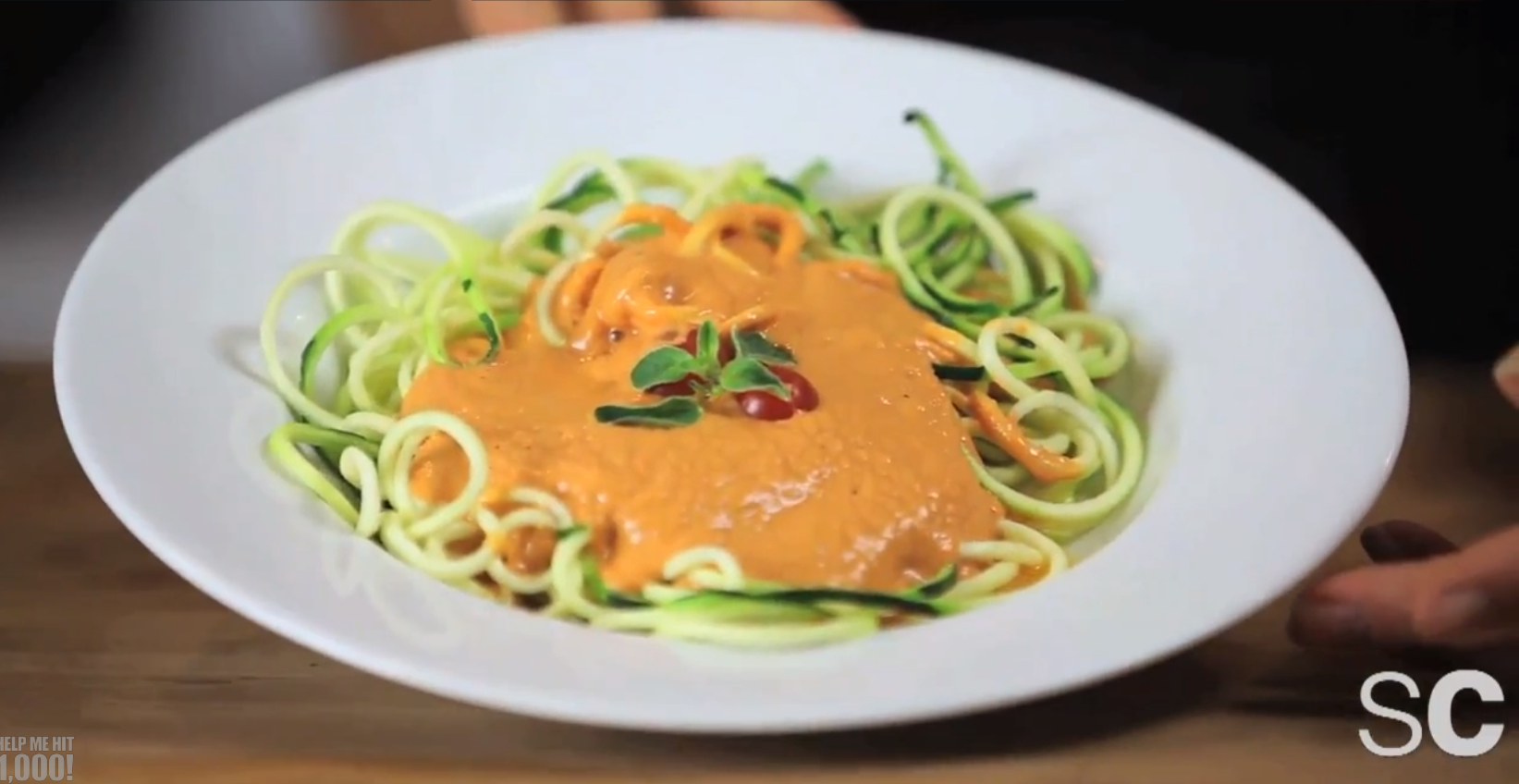 Raw zucchini pasta with spaghetti sauce the edgy veg raw pasta recipes forumfinder Image collections